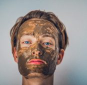 With care, men's skin ages slowly